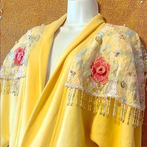 Spectacular Vintage Bejeweled Robe !❤️❤️